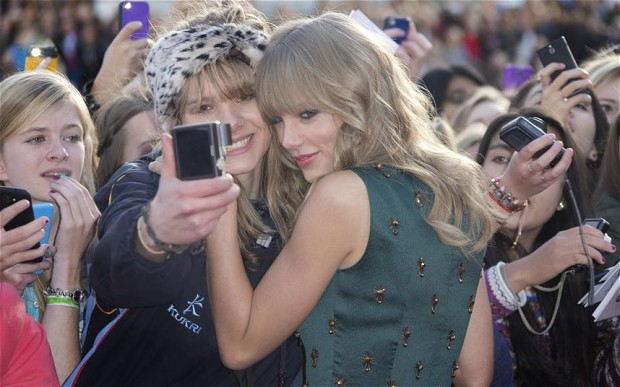 Taylor Swift selfie